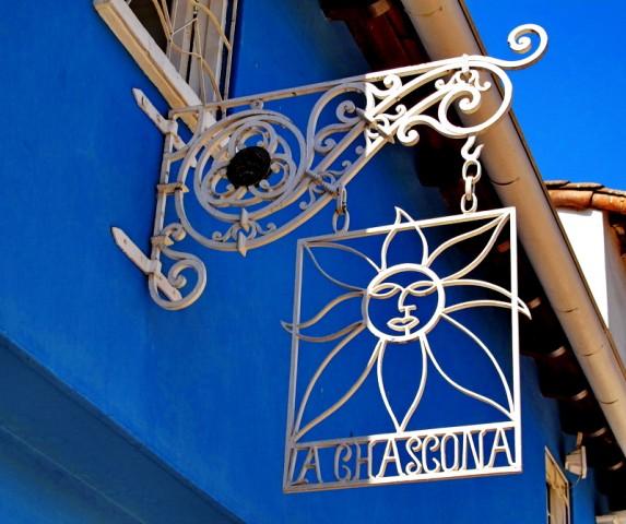 La-Chascona-2-0012.1-573x480.jpg