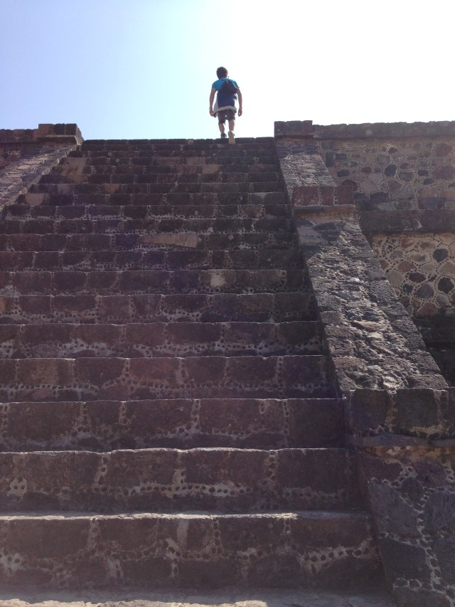 mexico-teotihuacan-trip-latin-travel-viaje-backpacker-viajero-vacation-southamerica-culture-map-moon
